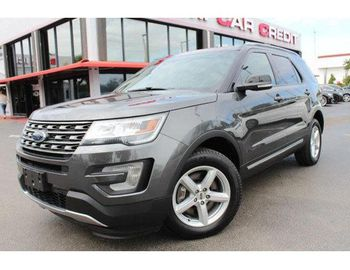 Ford Explorer XLT AWD 4x4